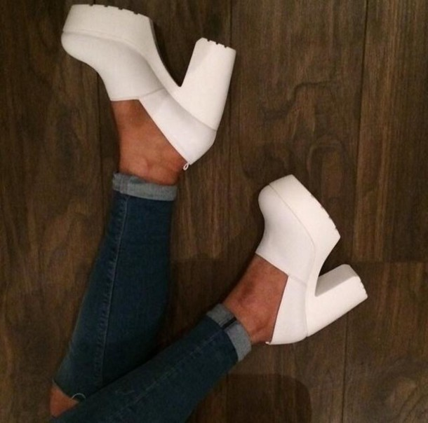 shoes cleated sole casual