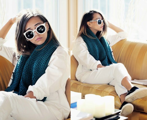 different cands blogger white knitted scarf