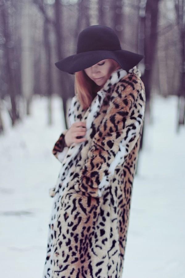 gvozdishe coat dress hat