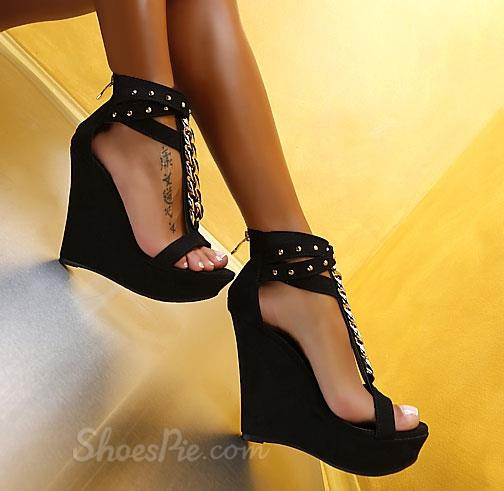 Charming PU Ankle Strap Metal Chain Wedge Sandals