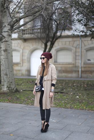 hat bag manteau bonnet bordeau talons pochette zadig et voltaire sunglasses lunette de soleil rondes noires montre watch black watch pants black pants