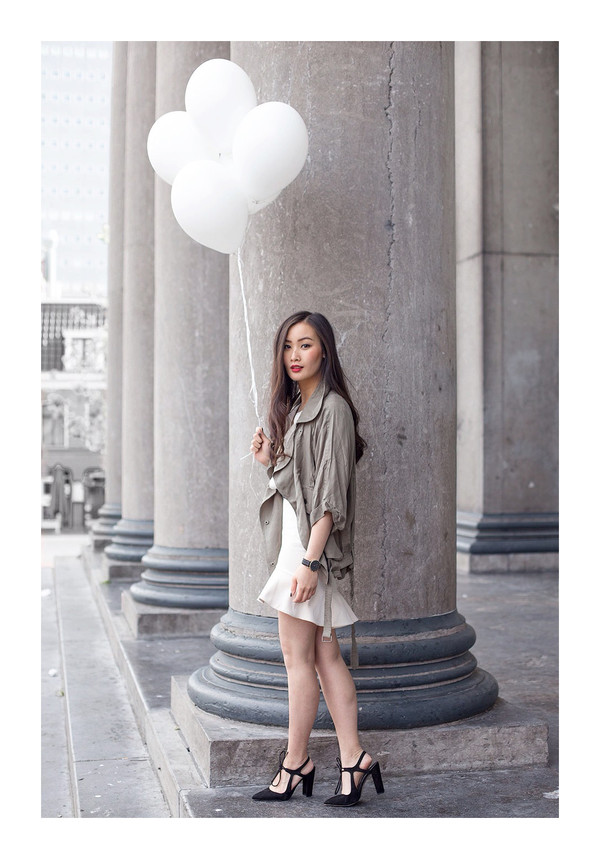 tlnique skirt jewels shoes coat