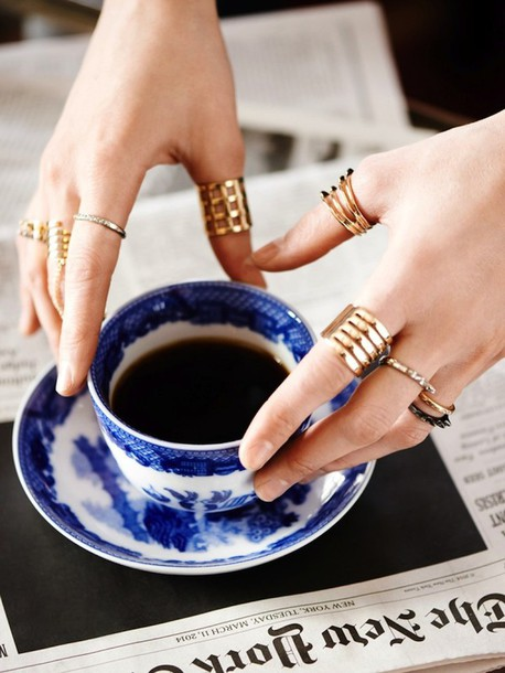 le fashion blogger ring gold lifestyle jewels