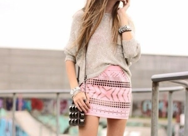 bag cute outfit girly skirt tribal pattern sweater grey jewels