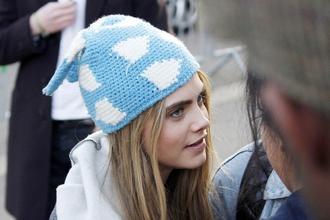 hat beanie blue white cara delevingne clouds pattern cute model pretty baby blue colorful patterns blonde hair cara delevinge fashion hat beanie hair accessories light blue wool cat ears