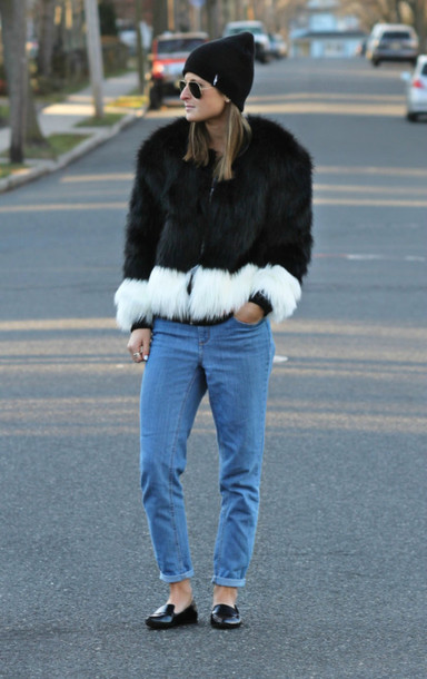 to be bright blogger mom jeans faux fur coat jeans hat