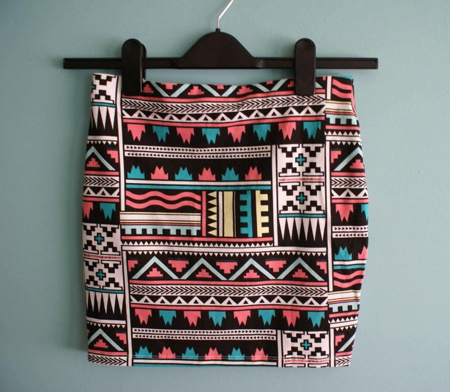 Bershka Aztec Tribal Print Pencil Bodycon Skirt Colorful Mini New Avon Perceive   eBay
