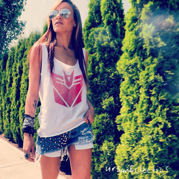shirt transformers shorts red sunglasses white top girl summer sleeveless