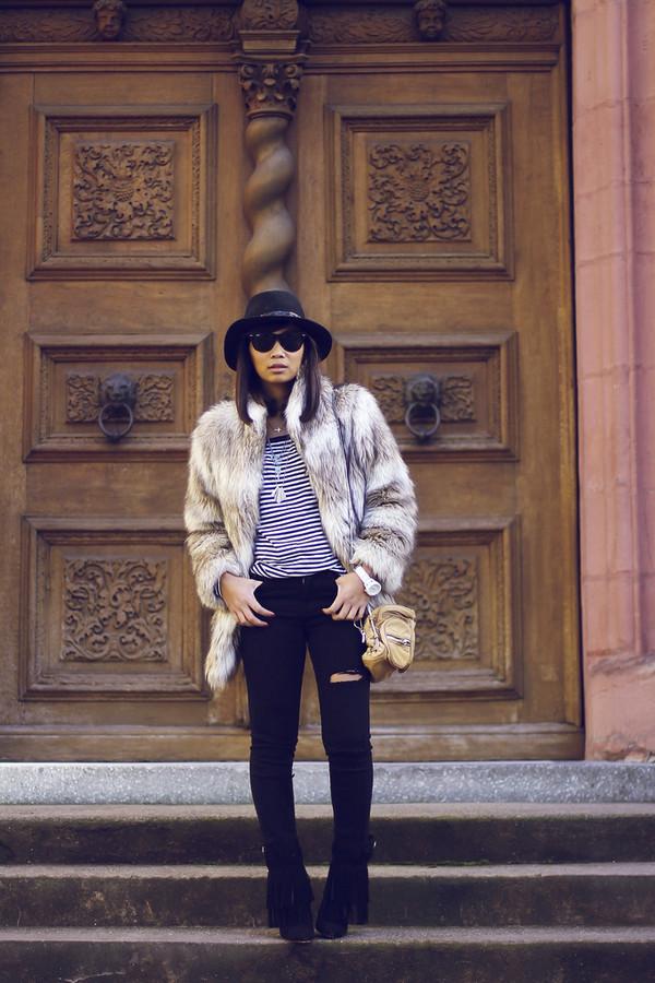 mode junkie shirt coat jeans hat bag shoes