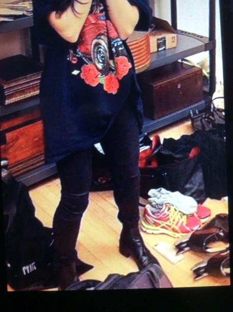 pants black coloured