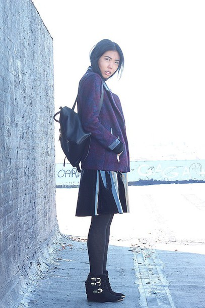 fashion of a novice blogger skirt vinyl leather backpack vinyl skirt midi skirt black skirt jacket purple backpack black backpack tights opaque tights boots wedges wedge boots
