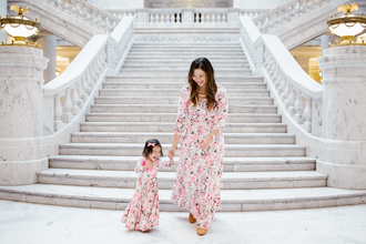 sandy a la mode blogger dress shoes jewels mother and child floral dress