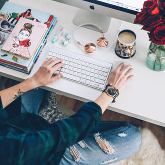 prosecco and plaid blogger mug headphones desk flannel shirt black watch larsson and jennings earphones