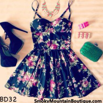 Savannah Floral Black Bustier Dress with Adjustable Straps - Size XS/S/M - Smoky Mountain Boutique on Wanelo