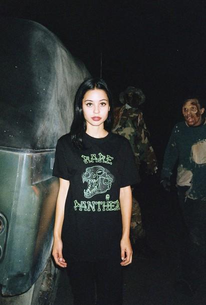 shirt dark geunge cool looking dinosaur