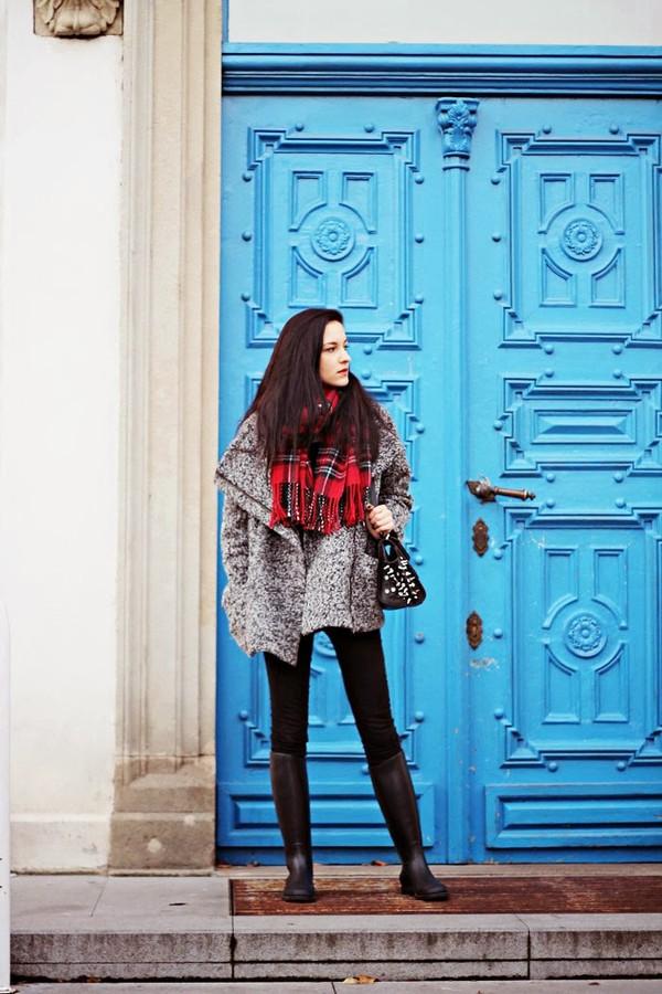 leona meliskova coat jeans scarf shoes bag