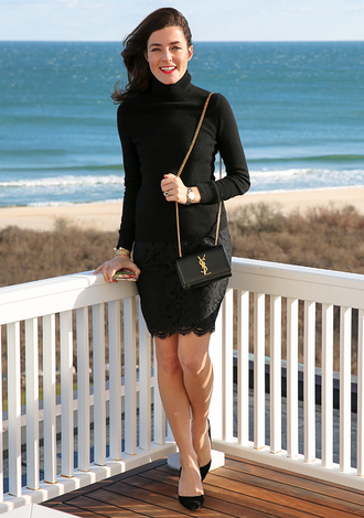 classy girls with pearls blogger jacket sweater skirt shoes bag jewels make-up black sweater yves saint laurent lace skirt black lace black stilettos black heels stilettos mini bag all black everything