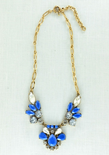 Vintage-inspired Blue Statement Necklace - Happiness Boutique