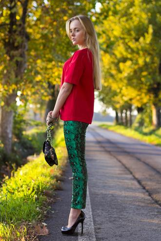 t-shirt shoes sunglasses jewels bag pants cablook