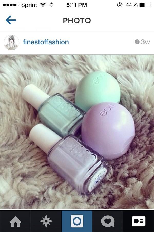 nail polish purple mint green