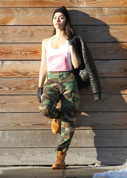 sweat the style blogger tank top camouflage camo pants timberland urban bomber jacket winter swag