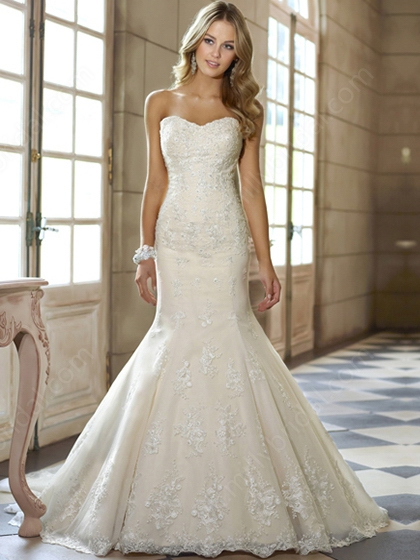 Trumpet/Mermaid Sweetheart Lace Satin Chapel Train Ivory Beading Wedding Dresses