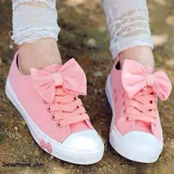 shoes canvas sneakers pastel pink bows converse pink sneakers low top sneakers chuck taylor all stars toddler trainers wits bow pink converse kawaii shoes kawaii boots pink shoes bow shoes girly converse girls sneakers notebook nike nike shoes addidas shoes white hightops who is this girl/ lady? any help pls pink bow sneakers bow shoes
