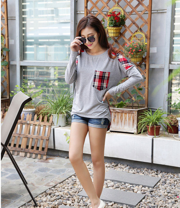 Check and Plaids Back and Front Pocket Grey Thin Sweater Tee