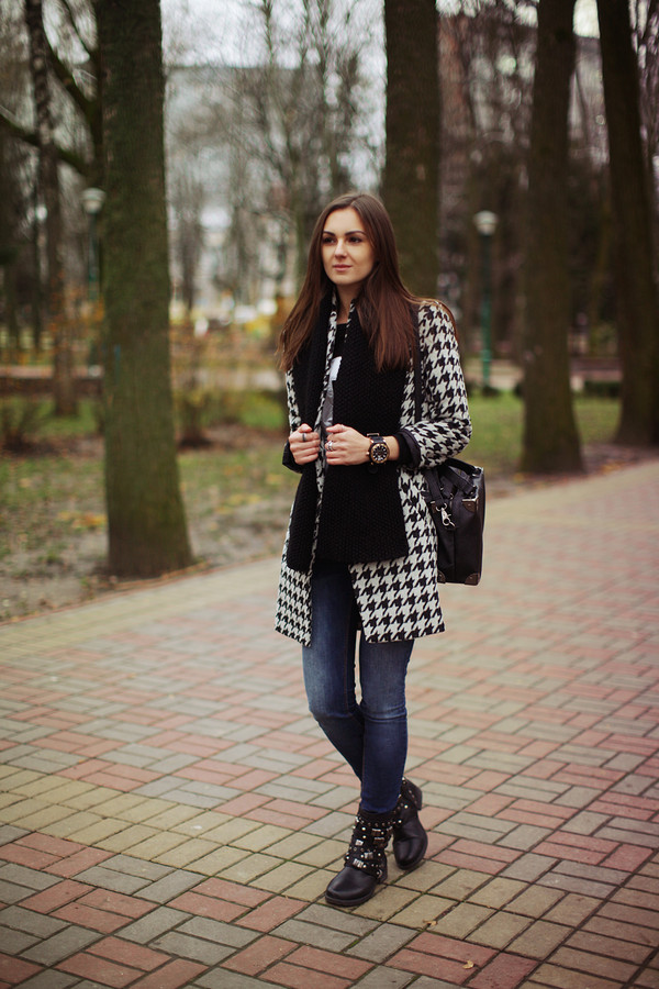 fashion agony coat jeans sweater shoes bag jewels scarf