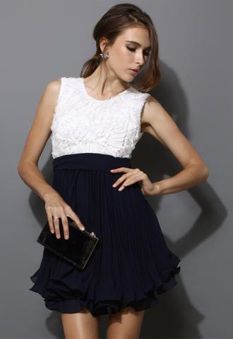 dress flowers white women sleeveless colorblock pleated navy swing