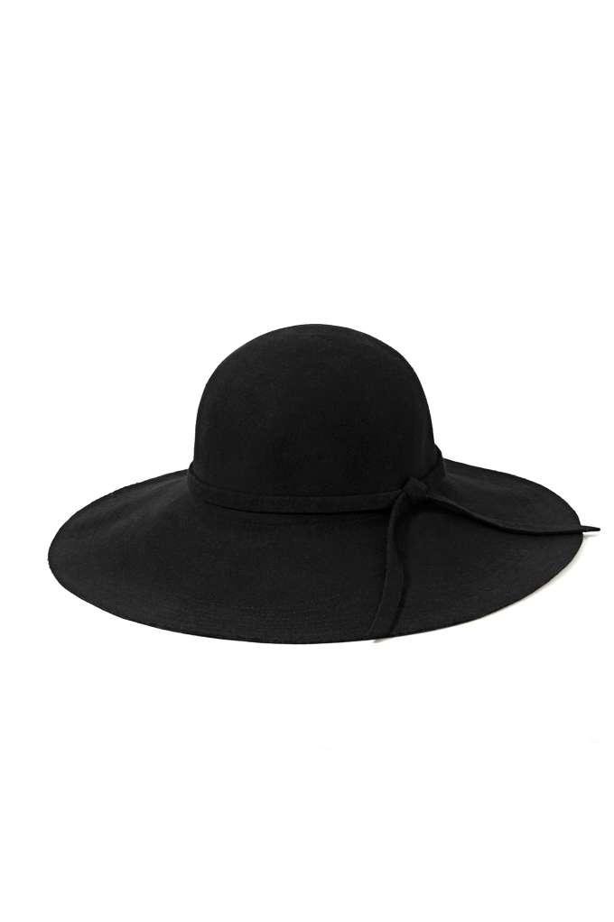 Carissa Floppy Hat at Nasty Gal