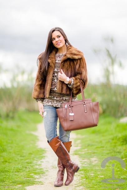 crimenes de la moda blogger coat sweater jewels jeans shoes bag