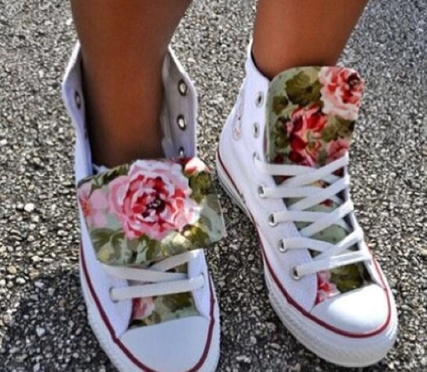 shoes white classic converse roses white hightops pink converse converse chuck taylor all stars