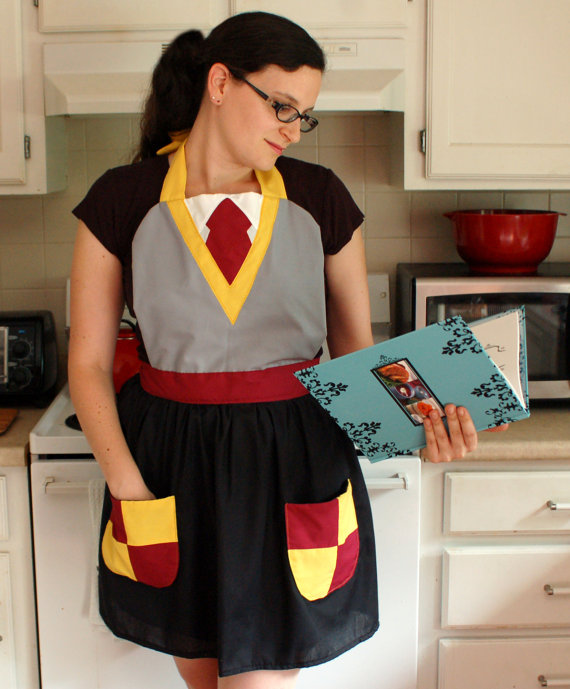 Harry Potter Inspired Gryffindor Apron by bethanysewandsew on Etsy