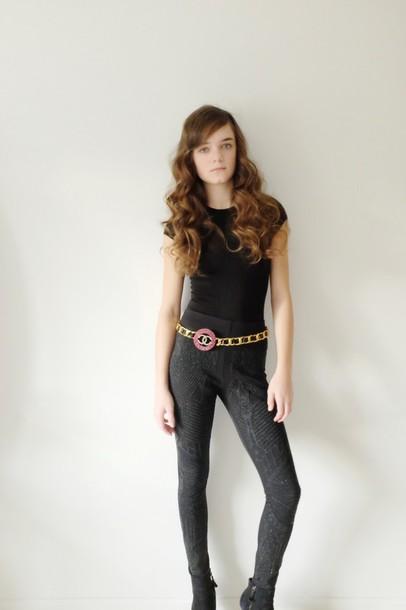 callies street chic blogger leggings belt chanel