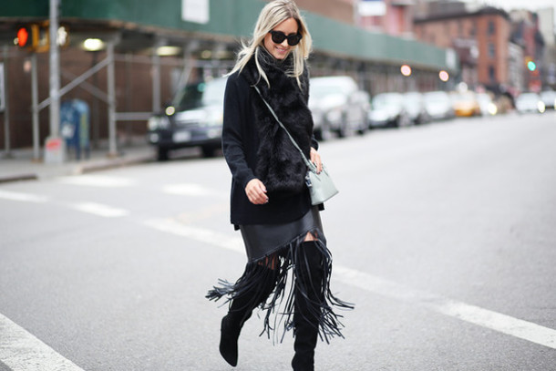 the fashion guitar blogger black skirt winter outfits