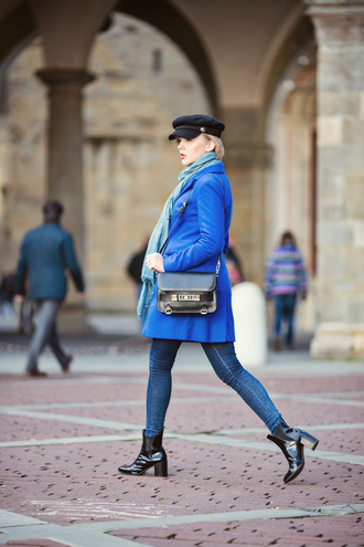 cablook bag coat sweater jeans scarf shoes