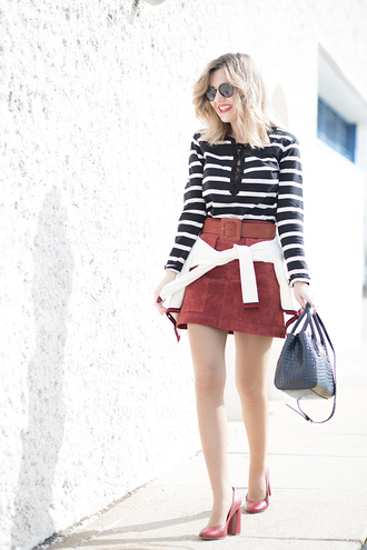 mi aventura con la moda blogger shirt skirt cardigan sunglasses bag shoes mini skirt handbag pumps high heel pumps