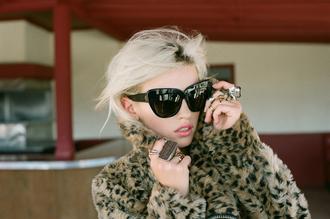 jacket nastygal nastygal.com sunglasses big sunglasses sunnies stylish sunglasses leopard print leopard print coat leopard coat big rings unif