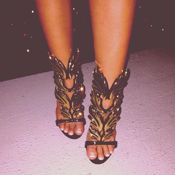 shoes gold black
