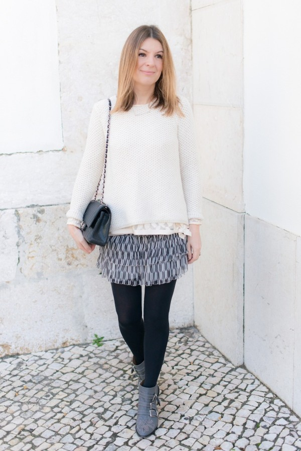 the working girl skirt shoes t-shirt jacket sweater bag jewels