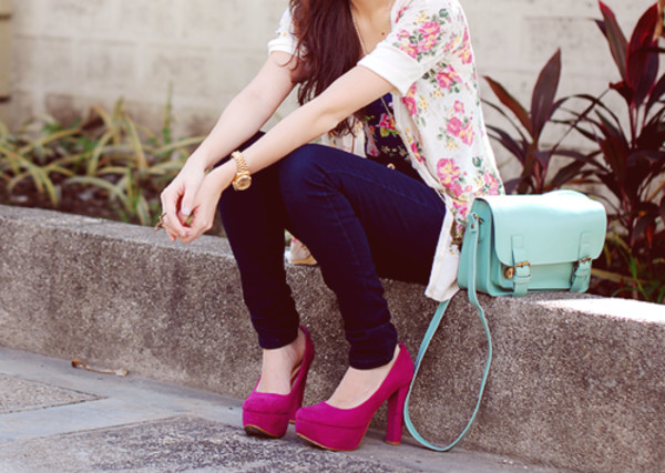 jeans blue jeans flowers floral bag it girl fashion casual pink shoes
