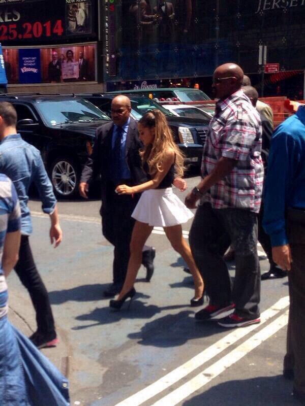 skirt ariana grande blouse shoes