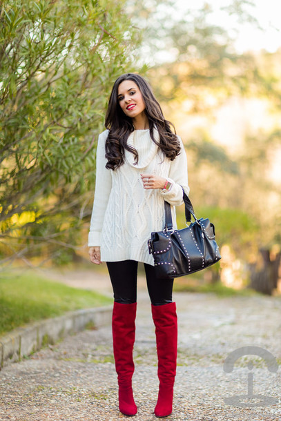crimenes de la moda blogger sweater dress winter outfits boots red heels knitted dress sweater jewels leggings bag shoes white cable knit sweater red boots black bag turtleneck turtleneck sweater leather leggings