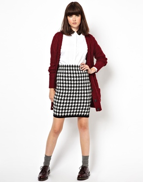 Pop Boutique   Pop Boutique Knitted Mini Skirt in Houndstooth at ASOS
