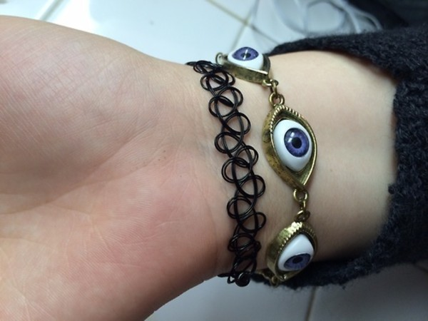 jewels black eyes blue bracelets angsty grunge art hoe
