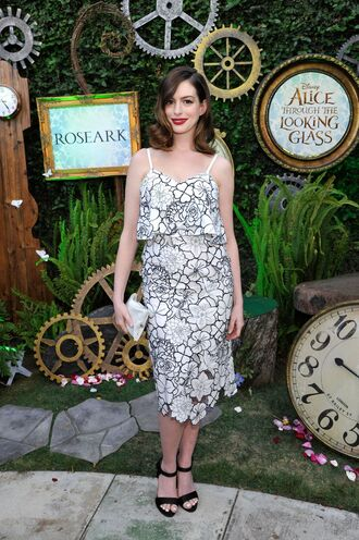 dress midi dress anne hathaway sandals printed dress black and white dress bag clutch