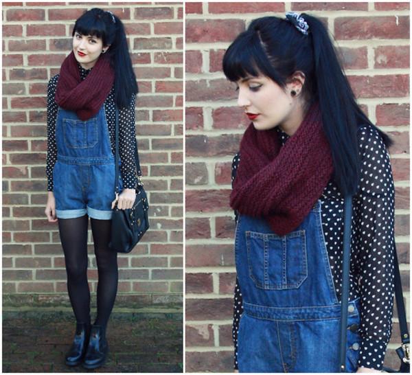 scarf denimjumper burgundy scarf burgundyscarf jumper polka dots polka dots polkadotblouse polka dots sweatshirt shorts shirt