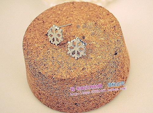 1 Pair Vintage Charming Silver Snowflake Earrings Ear Stud Jewellery OE0147 | eBay