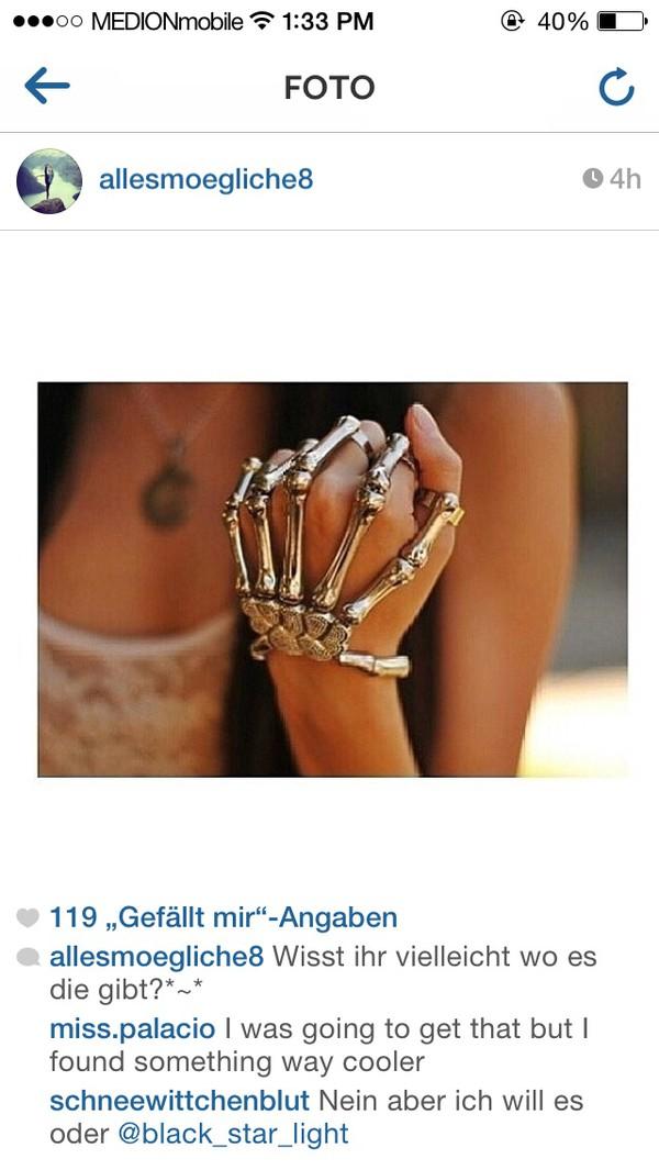 jewels skeleton hands